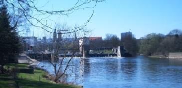 Die Fulda vor dem Bootshaus